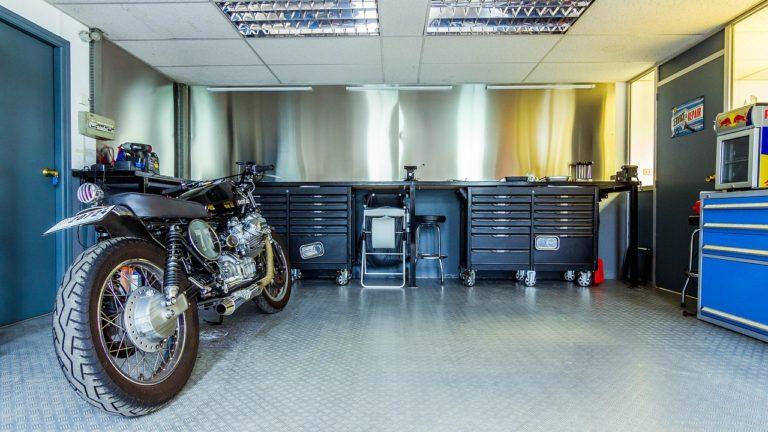 Pawilon z płyt warstwowych na garaż tymczasowy