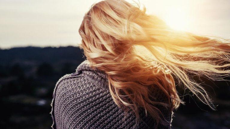 Lśniące i puszyste włosy każdego dnia