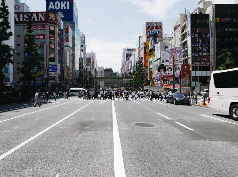 W jaki sposób może pomóc kierowcom pomoc drogowa