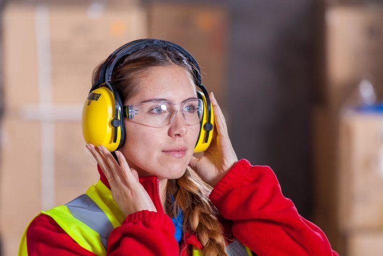 W wielu środowiskach pracy niezbędna jest odzież robocza i ochronna