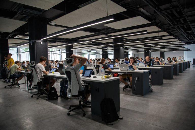 Gdzie najlepiej poszukać nowoczesnych biur?