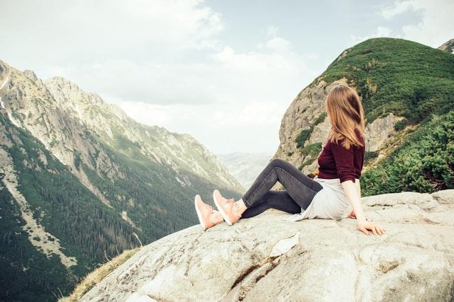 Czy na wakacjach w górach znajdziemy dobre apartamenty mieszkalne?